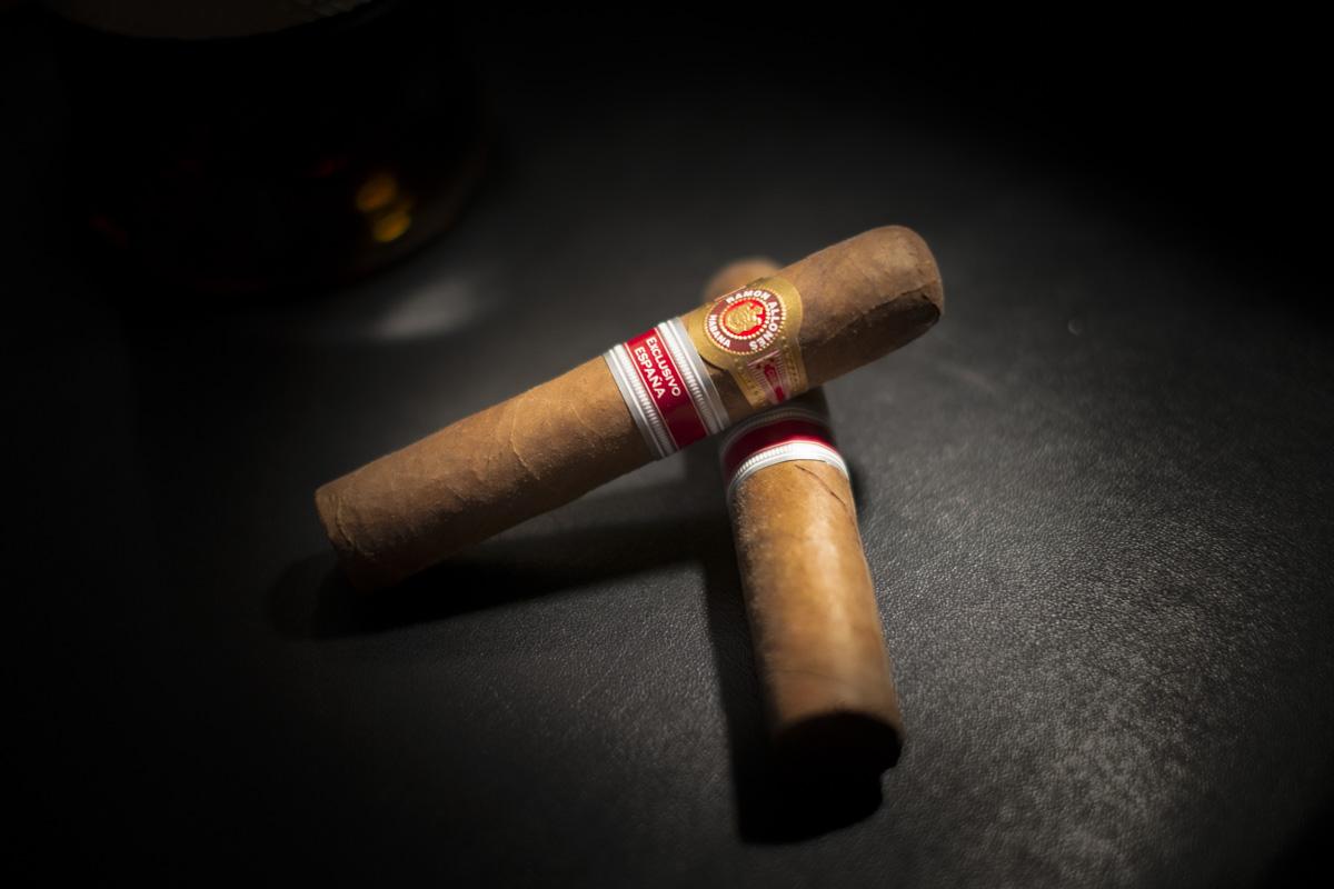 """Un """"Ménage"""" à trois ! (Cigare, Whisky et Rhum)"""